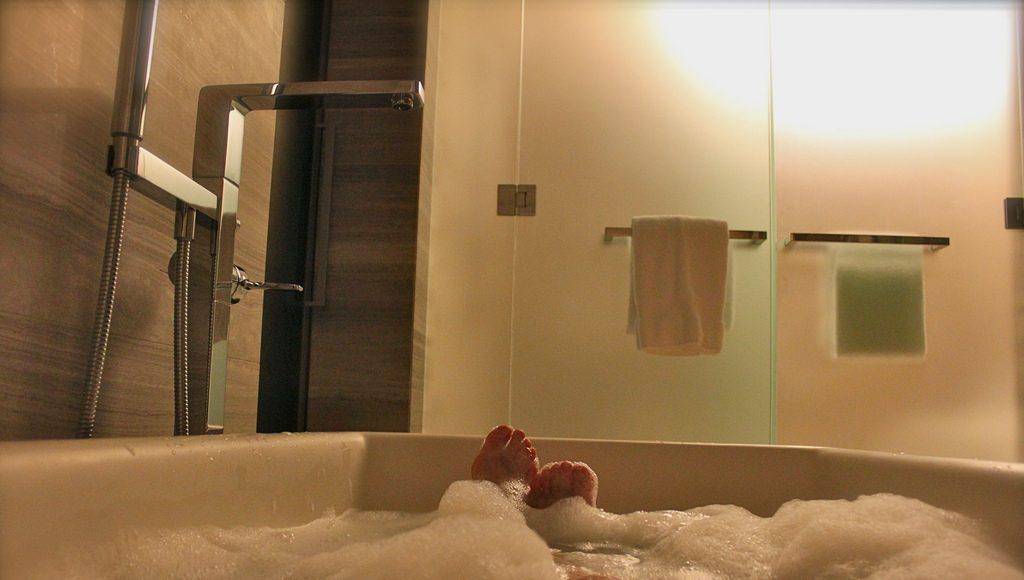 Je badkamer compleet maken met je eigen bubbelbad - Nostalgische ...