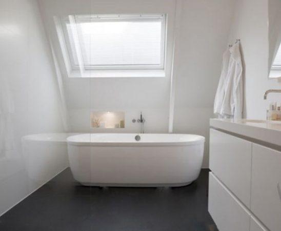 Al eens een gietvloer voor de badkamer overwogen?